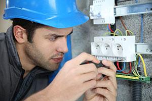 ingeniero tecnico proyecto instalaciones