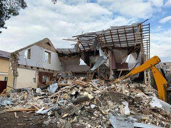 vivienda moderna demolicion